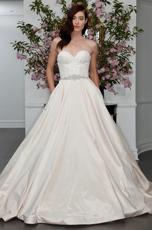 Romona Keveza KLeinfeld Bridal